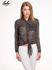 Czarno-biała koszula w geometryczne wzory z wiązaniem