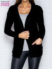 Czarny dziergany sweter