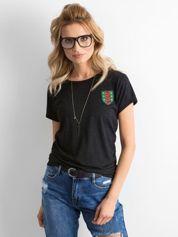 Czarny t-shirt damski z naszywką