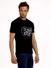 Czarny t-shirt męski z napisem CHAMPION i liczbą 28