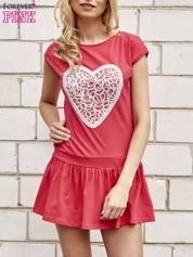 Czerwona dresowa sukienka tenisowa z aplikacją serca