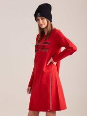 Czerwona dresowa sukienka z aplikacją