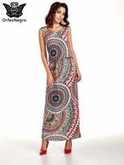 Czerwona sukienka maxi w etniczne wzory