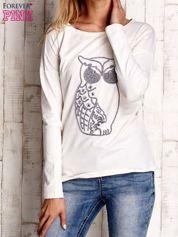 Ecru bluzka z aplikacją w kształcie sowy