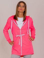 Fluo różowa dłuższa bluza ze ściągaczem w pasie i kapturem