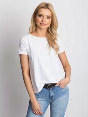 Gładki biały t-shirt z podwijanymi rękawami