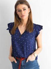 Granatowa bluzka w groszki z trójkątnym dekoltem