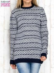 Granatowy wzorzysty sweter