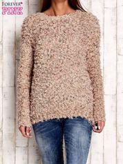 Jasnobrązowy włochaty sweter
