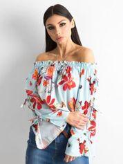 Jasnoniebieska bluzka hiszpanka w kolorowe kwiaty