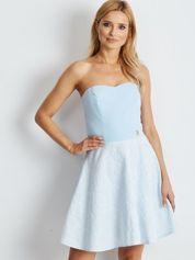 Jasnoniebieska rozkloszowana sukienka bez ramiączek