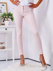 Jasnoróżowe dopasowane spodnie high waist