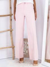 Jasnoróżowe szerokie spodnie