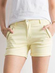Jasnożółte jeansowe szorty