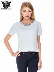 Jeansowa bluzka koszulowa z bizuteryjnym dekoltem