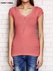 Koralowy t-shirt w prążki FUNK N SOUL