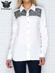 Koszula z aplikacją z cekinów i koralików biała
