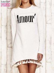 Kremowa sukienka z napisem AMOUR i frędzlami