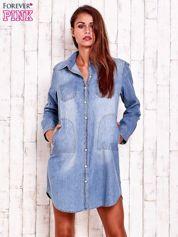 Niebieska denimowa sukienka koszula z kieszeniami