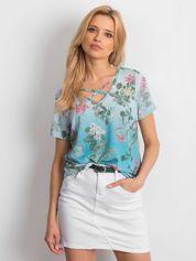 Niebieska kwiatowa bluzka z paseczkami