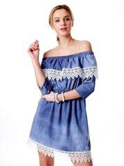 Niebieska sukienka hiszpanka z koronką