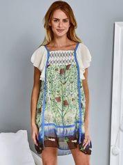 Niebieska sukienka z rękawkami typu motylek