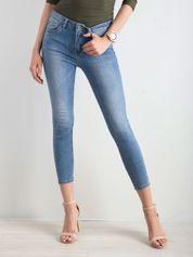 Niebieskie rurki jeansowe skinny