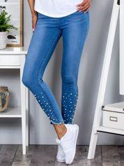 Niebieskie rurki spodnie skinny z perełkami