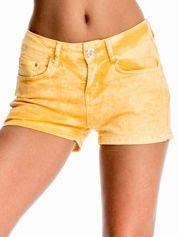 Pomarańczowe jeansowe szorty