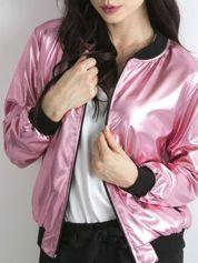 Różowa metaliczna kurtka bomberka