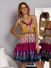 Różowa sukienka dzienna na ramiączka w stylu etno