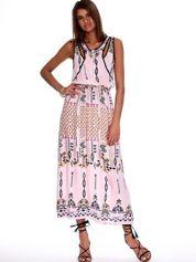 Różowa sukienka w etniczne wzory z suwakiem