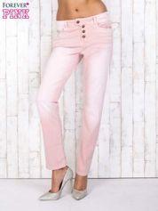 Różowe strechowe spodnie z koronką przy kieszeni