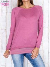 Różowy luźny sweter z siateczką i wycięciem z tyłu