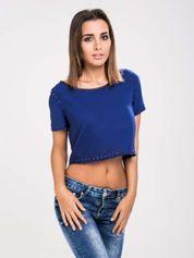 STRADIVARIUS Kobaltowy t-shirt typu cropped z dżetami i skórzaną lamówką