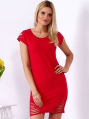 Sukienka czerwona z rozcięciami i aplikacją