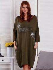 Sukienka damska z napisem z dżetów khaki