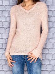 Sweter damski różowy o szerokim splocie