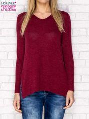 Sweter z dekoltem w serek i dłuższym tyłem bordowy