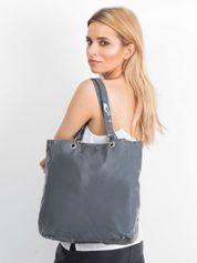 Szara lakierowana torba na ramię