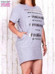Szara sukienka dresowa z silver printem PLUS SIZE
