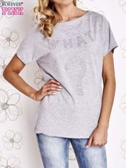 Szary t-shirt z napisem i trójkątnym wycięciem na plecach