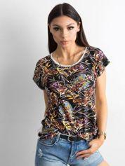 T-shirt w kolorowe printy