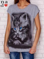 T-shirt z nadrukiem kota szary