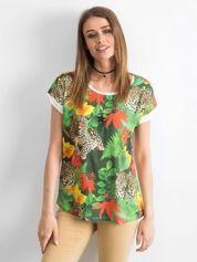 Zielony t-shirt z motywem exotic print