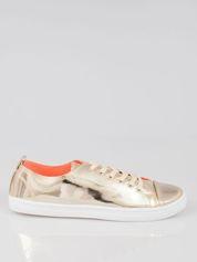 Złote metaliczne buty sportowe