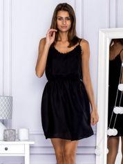 Zwiewna sukienka letnia na ramiączkach czarna