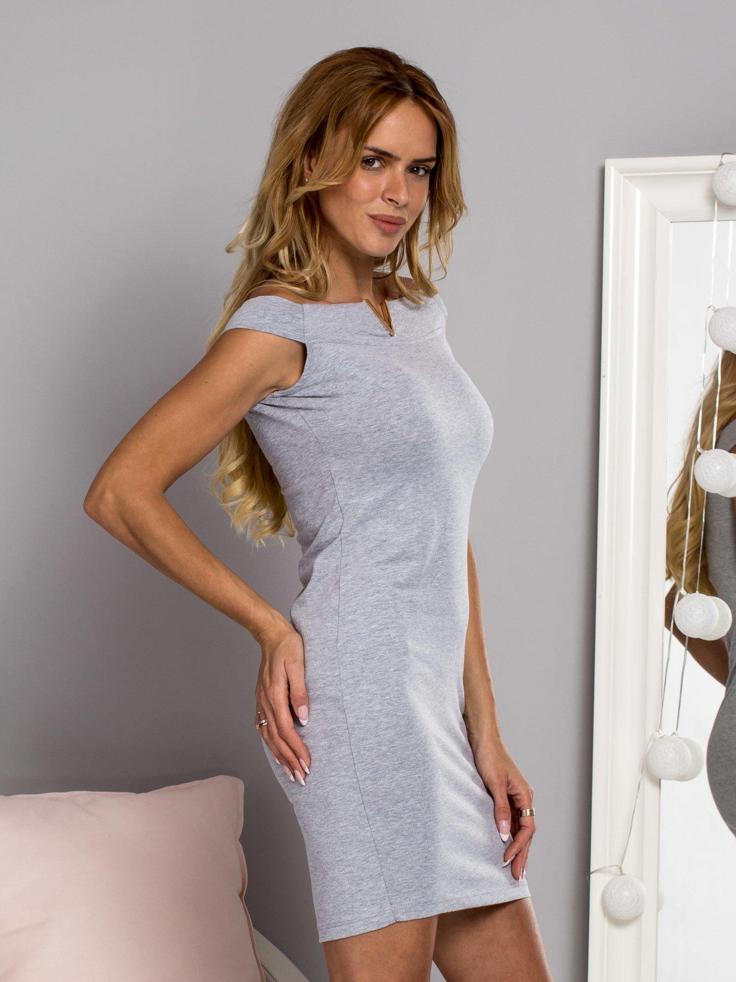 9b899e5415 Bawełniana sukienka dresowa z ozdobnym dekoltem szara - Sukienka na co  dzień - sklep eButik.pl