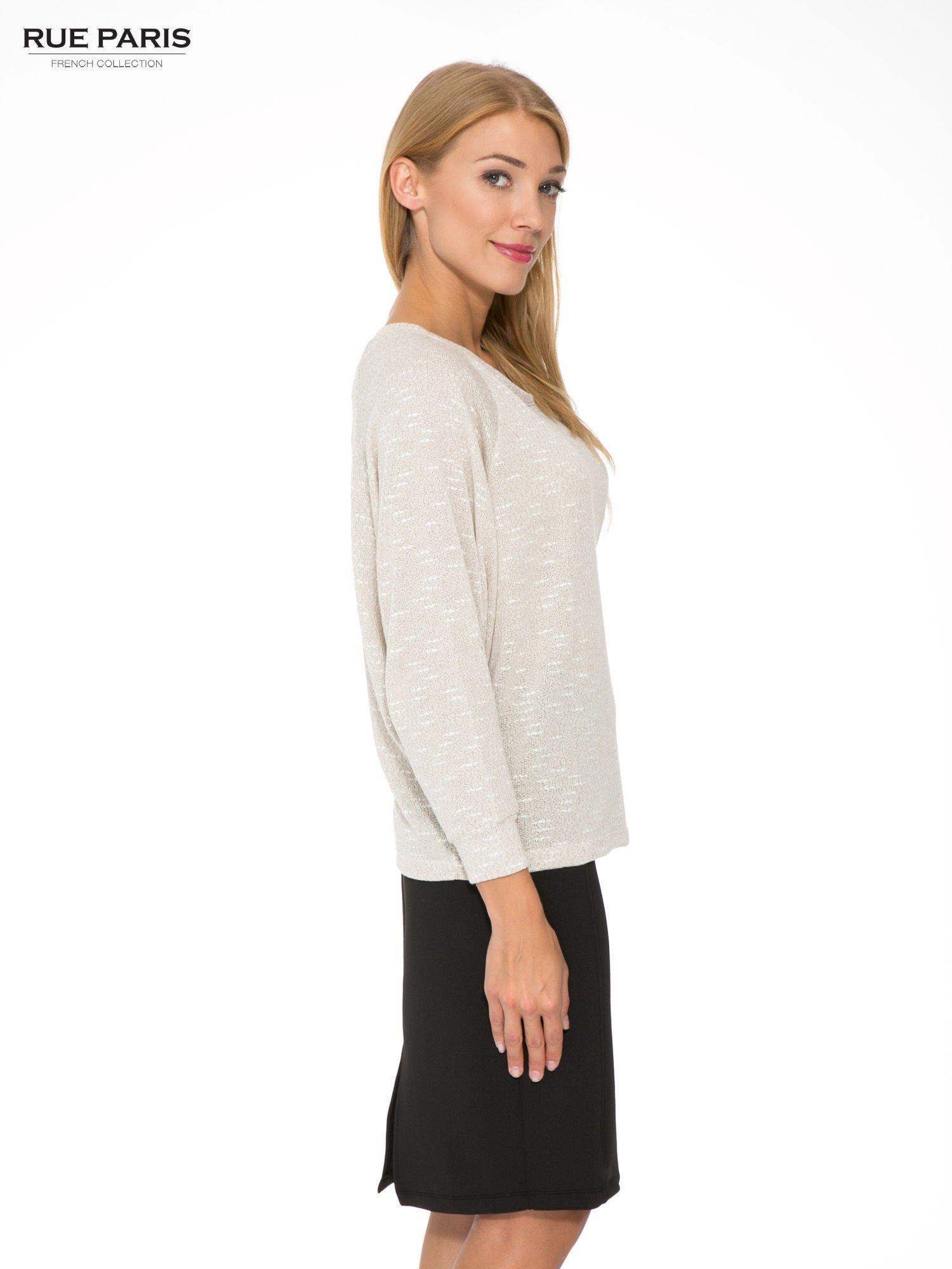 Beżowa bluzka oversize z nietoperzowymi rękawami                                  zdj.                                  3