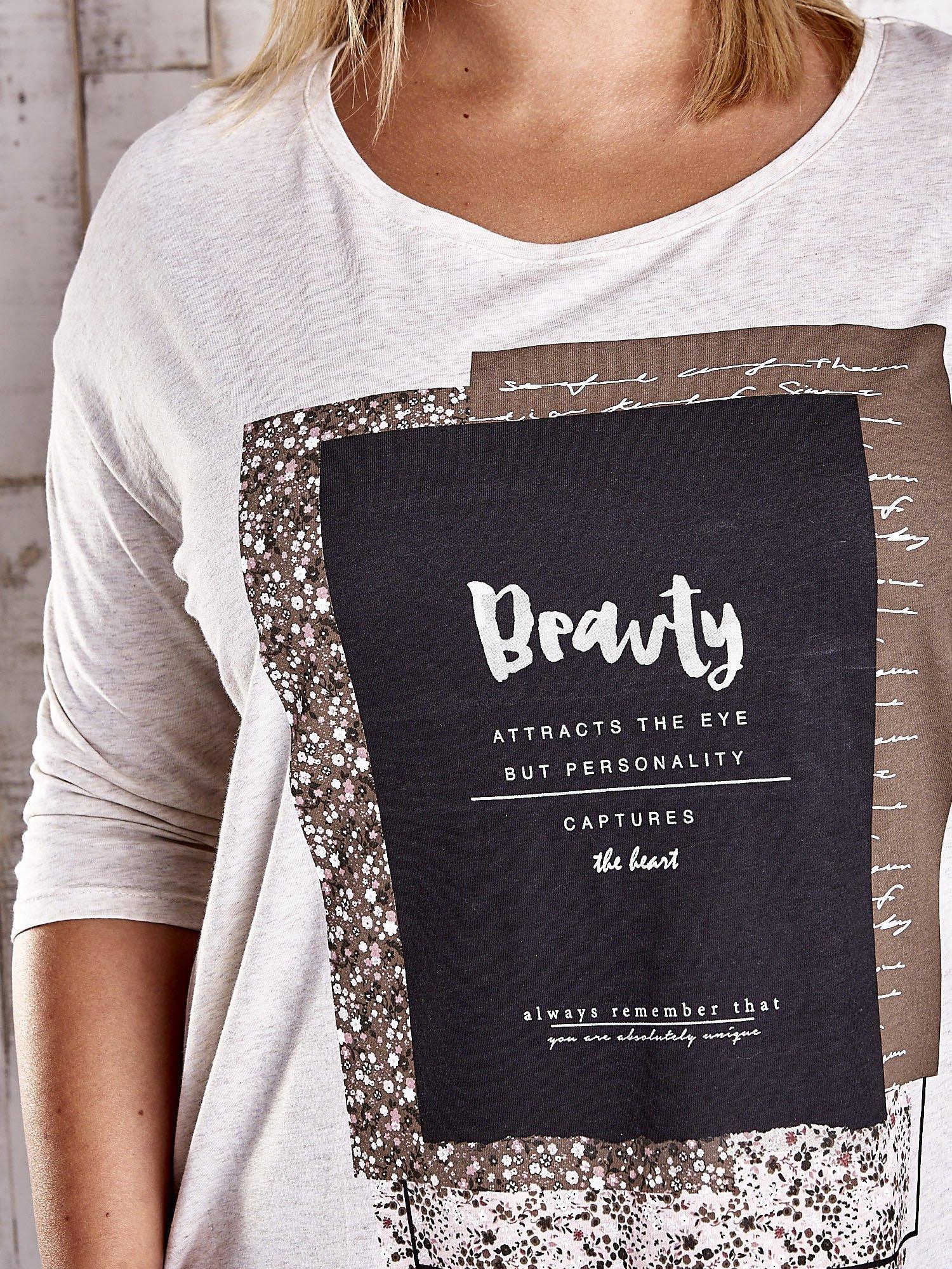 Beżowa bluzka z napisem BEAUTY PLUS SIZE                                  zdj.                                  5